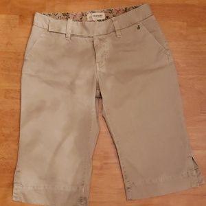 Old Navy Women's Bermuda Shorts | Size 6